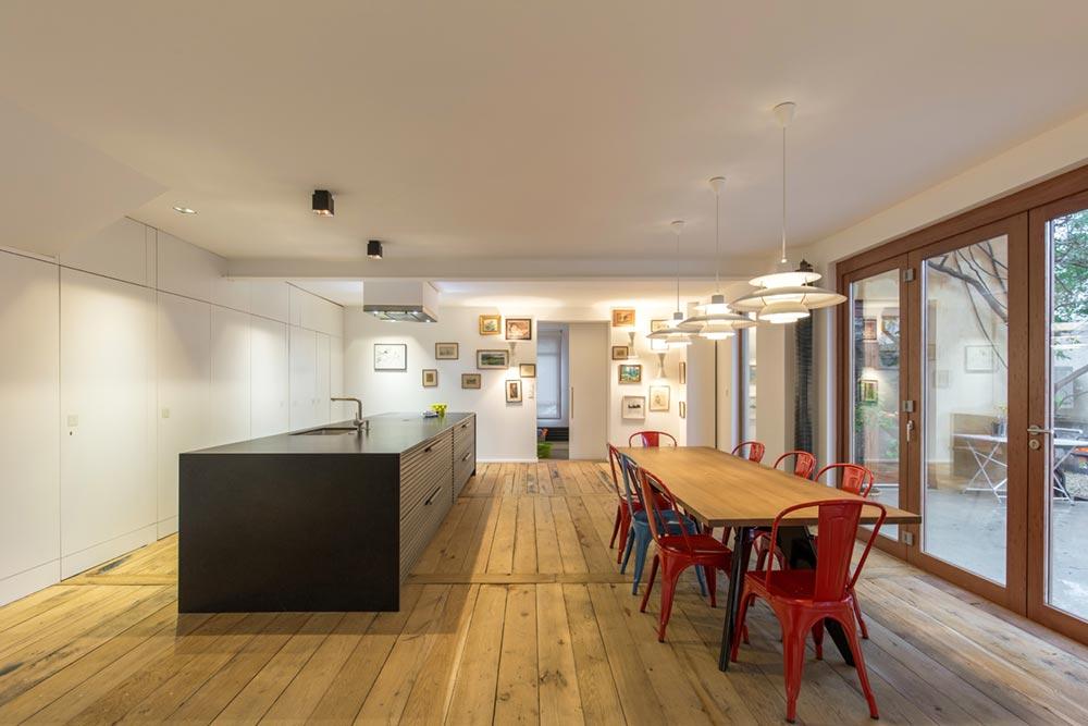 modern townhouse kitchen design - Townhouse Renovation in Montpellier