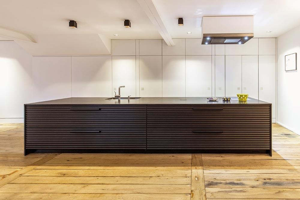 modern townhouse kitchen island - Townhouse Renovation in Montpellier