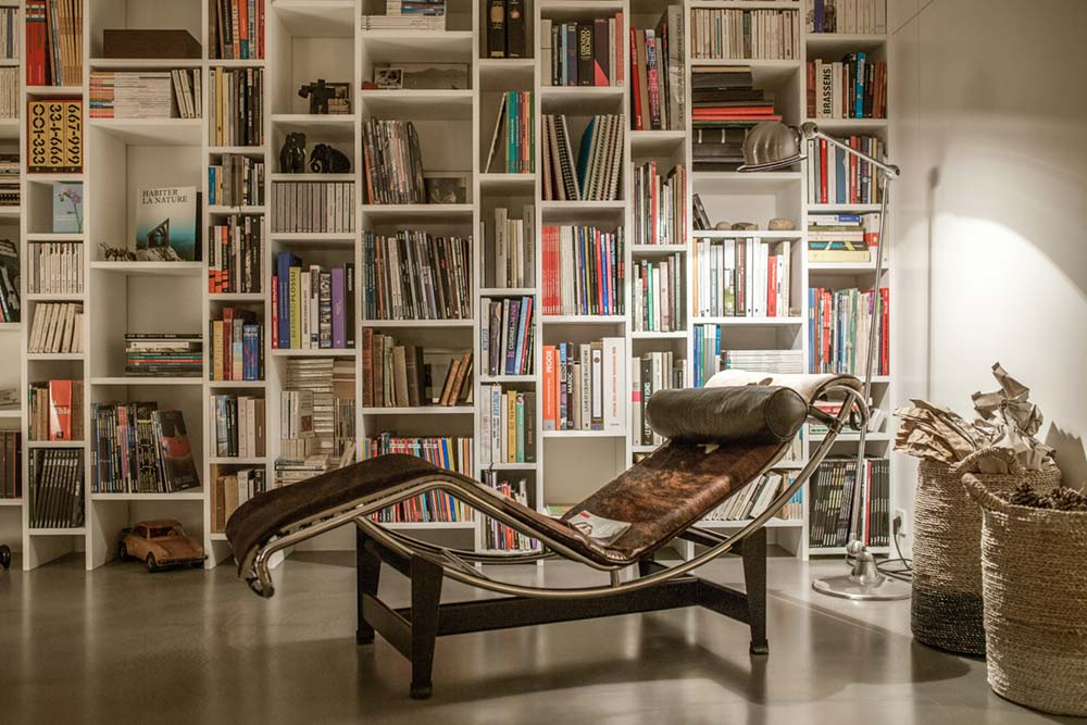 modern townhouse library lounge - Townhouse Renovation in Montpellier