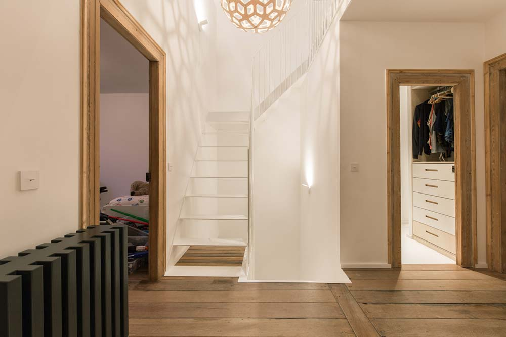 modern townhouse staircase - Townhouse Renovation in Montpellier