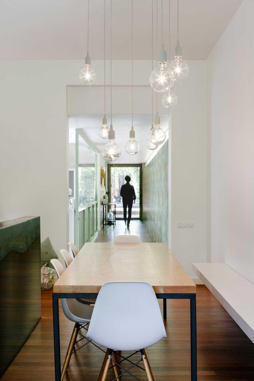 modern villa dining design - GOM House