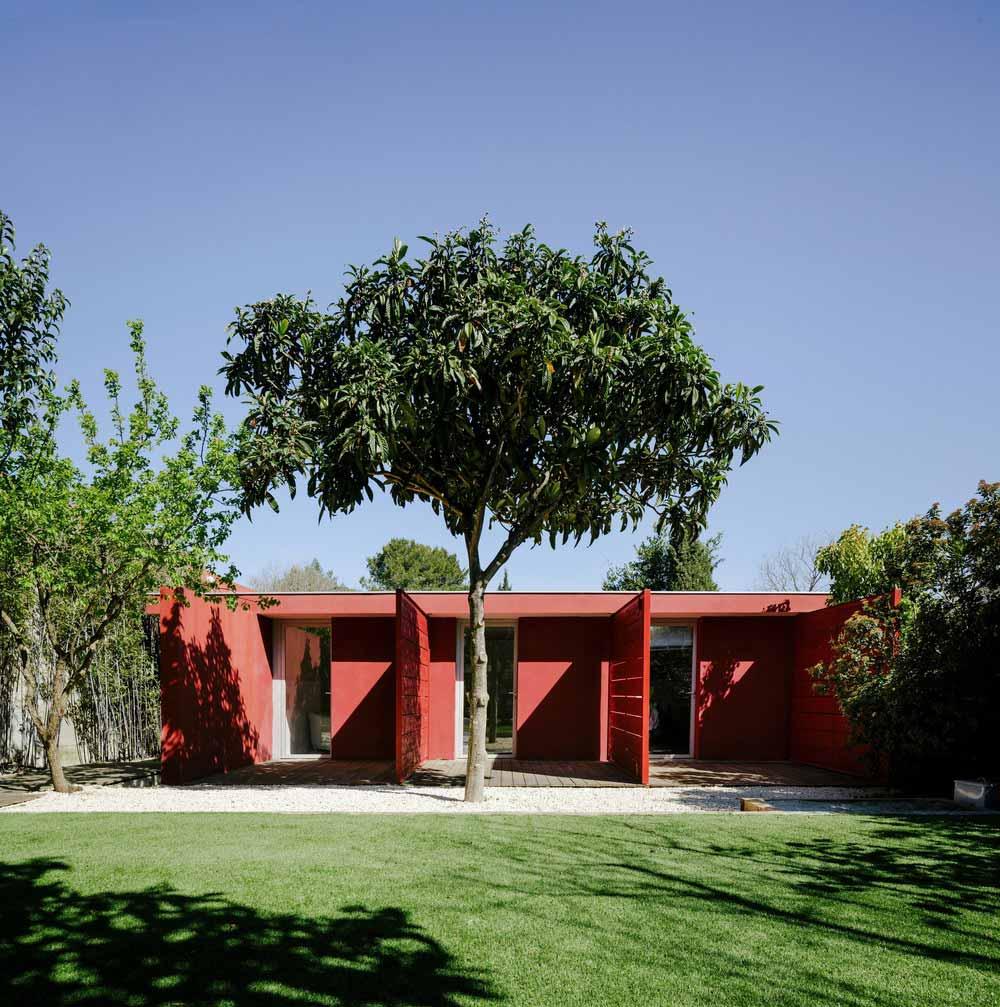 modern villa exterior design maca - GOM House