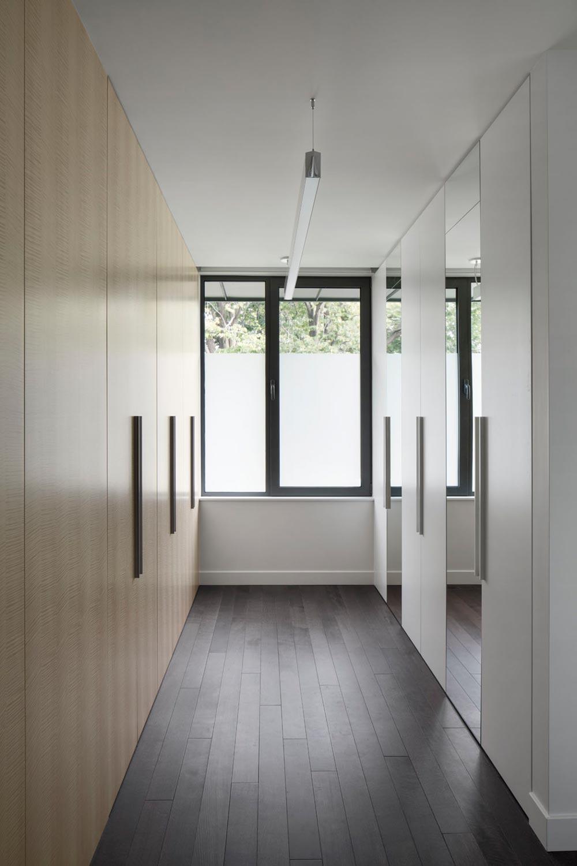 modern wardrobe storage design - Prairie House