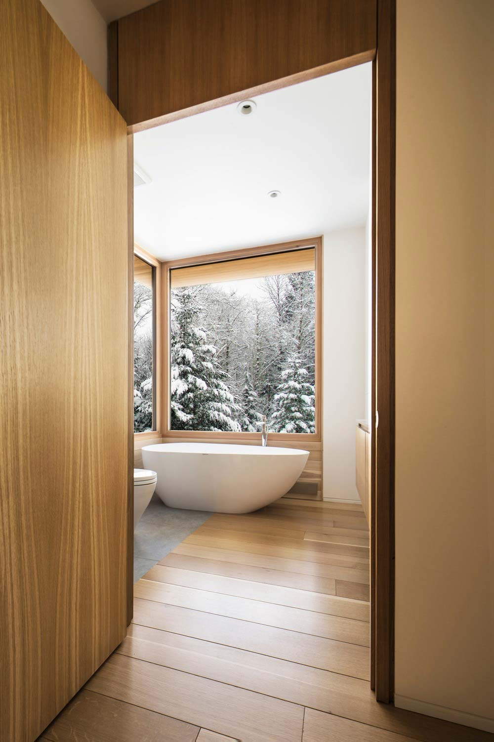 modern wooden cabin bathroom - The Wooden Wing