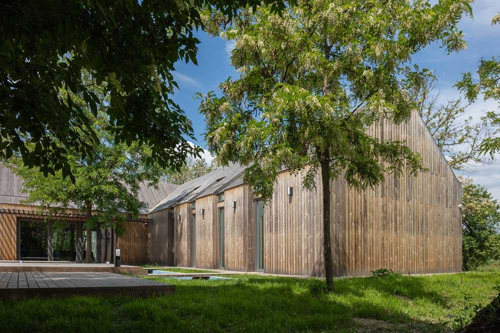 modern wooden house design arc2 - Modern Wooden House