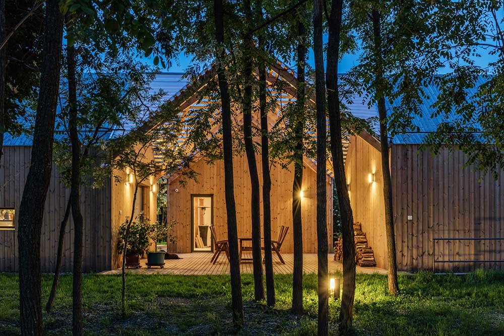 modern wooden house pergola arc - Modern Wooden House