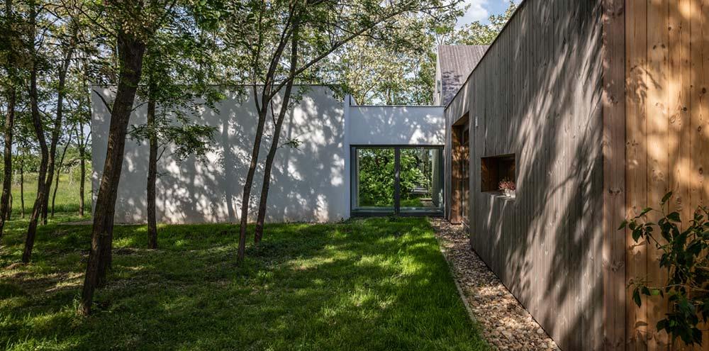modern wooden house studio arc2 - Modern Wooden House