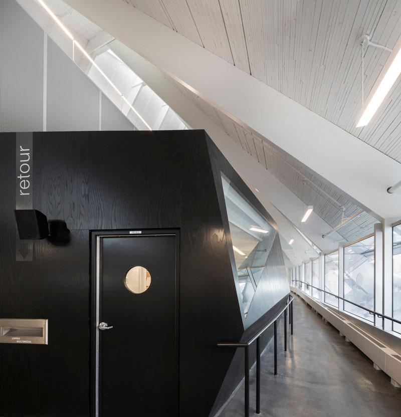 monique-corriveau-library10