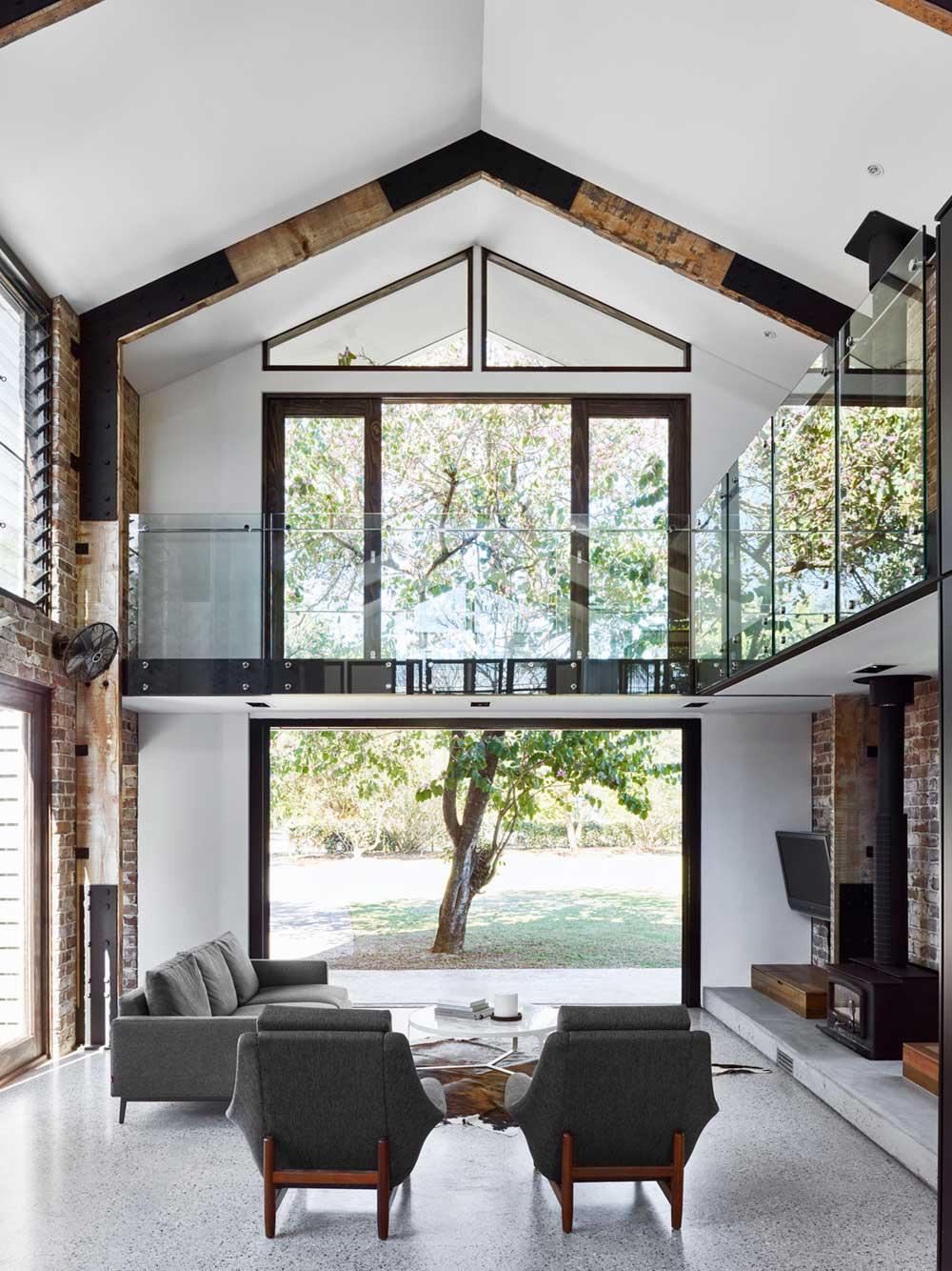 mountain home living room ms2 - Glasshouse Mountain Residence