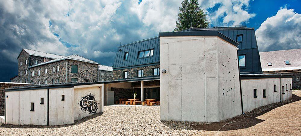 mountain hut center 1 1000x453 - Galyateto Tourist Center