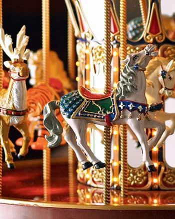 musical-carousel-xmas-3