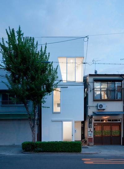 narrow-house-japan-ikas-3