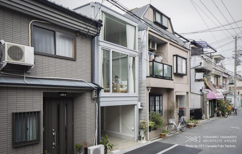 narrow house japan yyaa 800x510 - Narrow House in Osaka