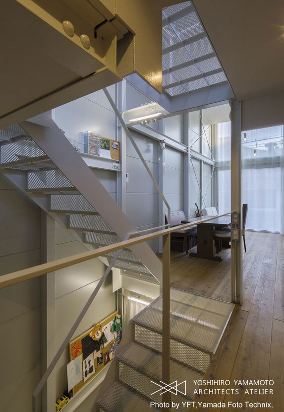 narrow-house-japan-yyaa7