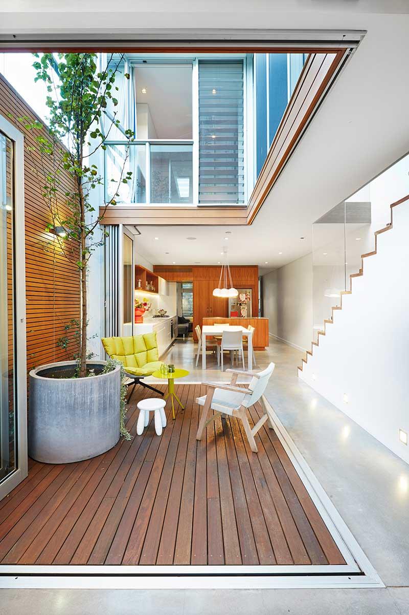 narrow lot house design courtyard era - Courtyard House