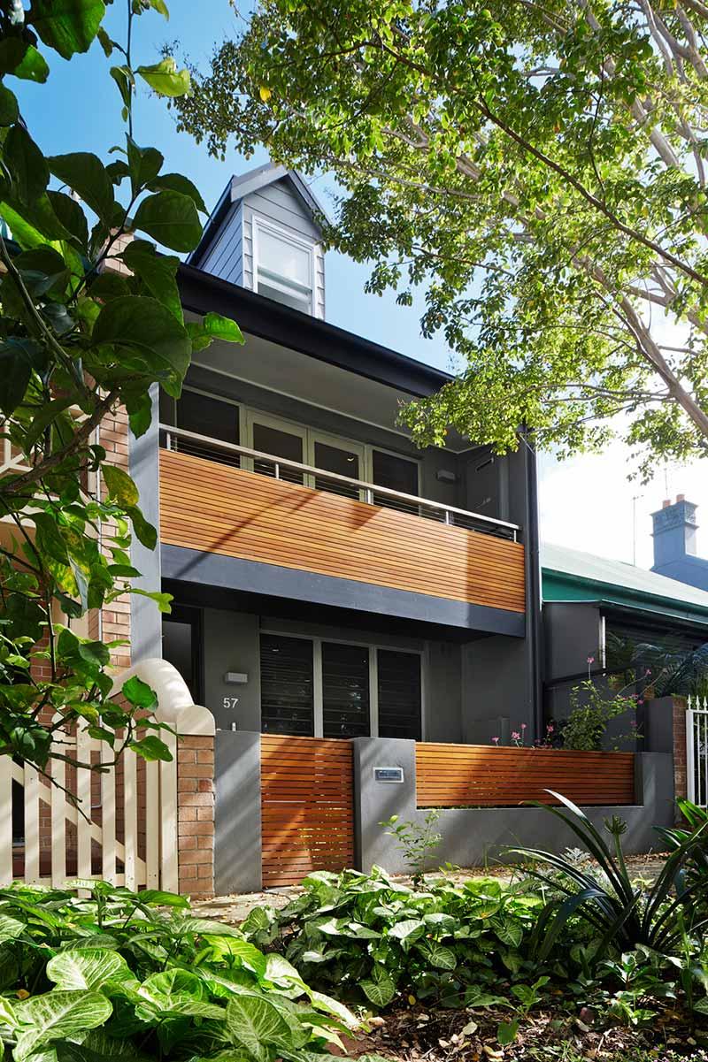 narrow lot house design facade era - Courtyard House