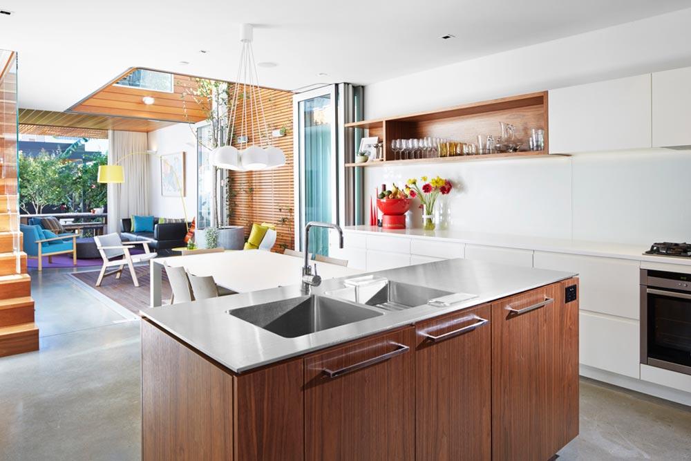 narrow lot house design kitchen era - Courtyard House