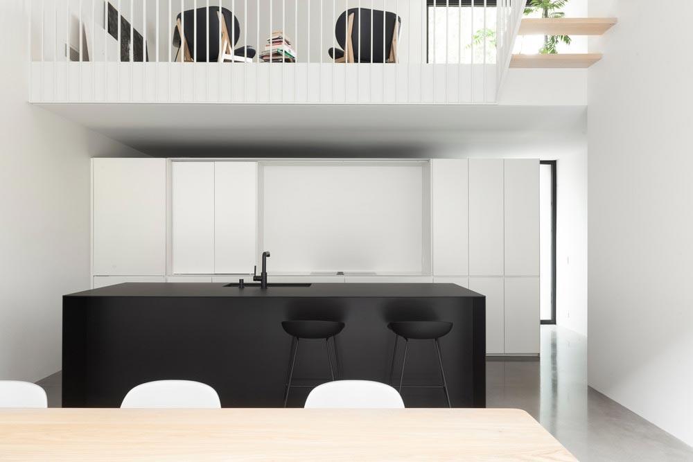 Narrow lot home modern interiors