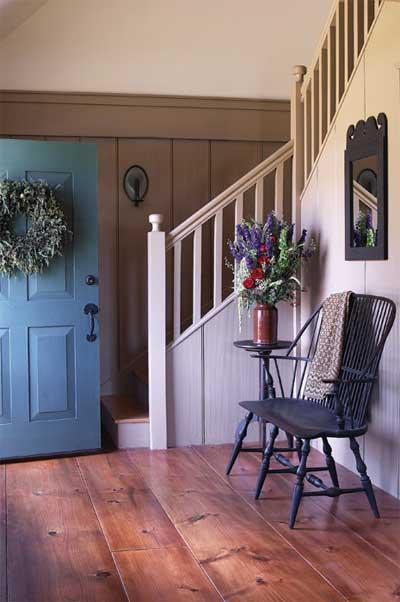 new-england-home-foyer