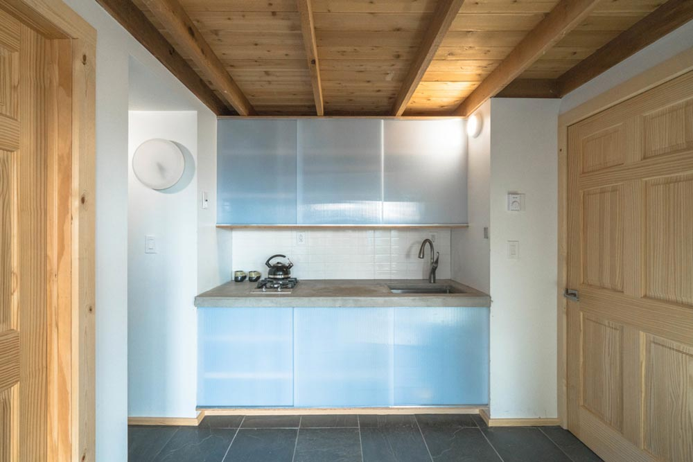 offgrid passive house design kitchen am - MARTaK Passive House