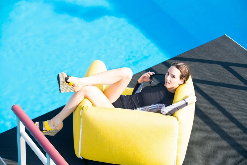 outdoor furniture blowup 800x533 - Blow up Collection: Lighthearted Luxury