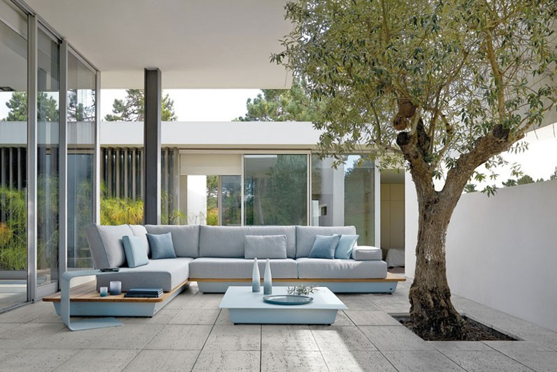 outdoor furniture manutti1 800x534 - Manutti Air collection