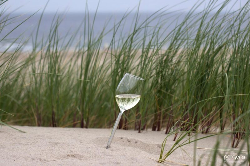 outdoor wine glass parqer 800x534 - Parqer Glass