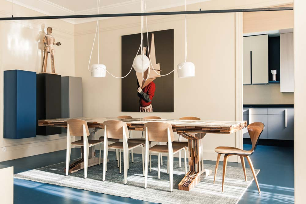 Modern Dining Room With Hanging Light Pendants