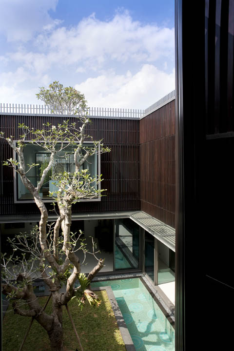 Super Centennial Tree House Theres An Island In My Patio House Download Free Architecture Designs Scobabritishbridgeorg
