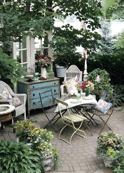 Patio designs for small spaces home decorating ideas - Small space garden design ideas set ...