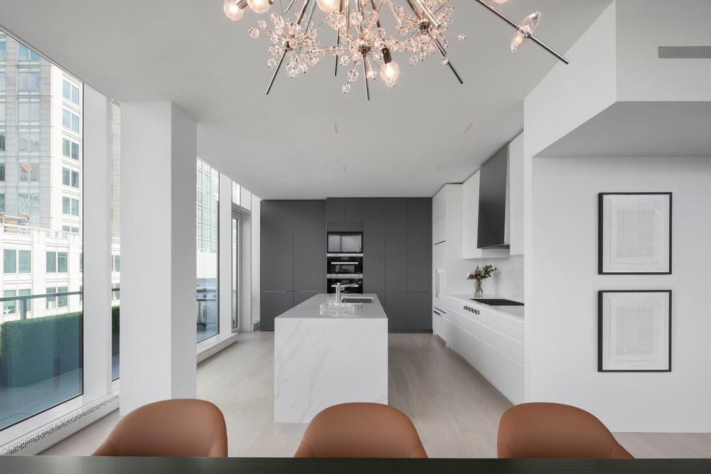 penthouse white marble kitchen island - Belvedere Penthouse