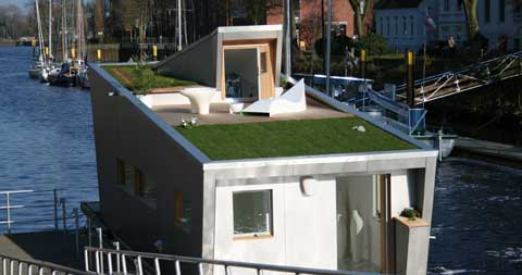 prefab-floating-houseboat