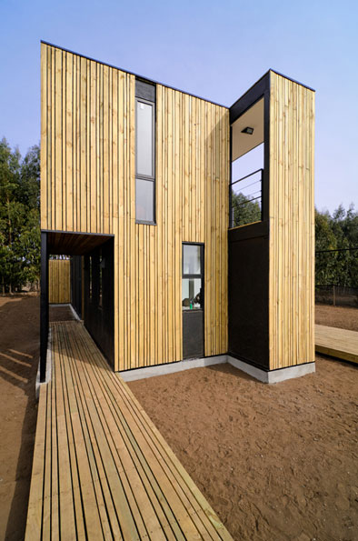 Sip panel house a prefab home in 10 days prefab homes for Building a house with sip panels