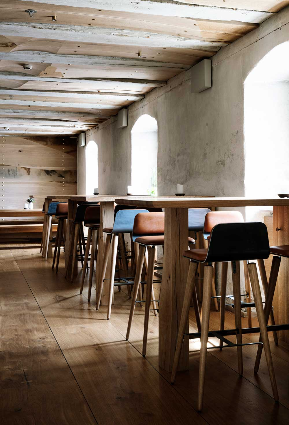restaurant bar sitting design barr - Barr Interior Design