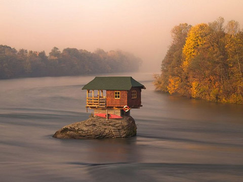 river-house-drina