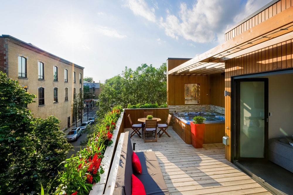 Beautiful rooftop apartment renovation in montreal busyboo for Interior design rooftop terrace