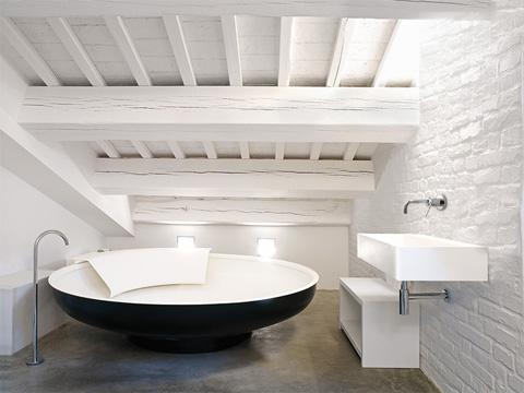 round-bath-agape2
