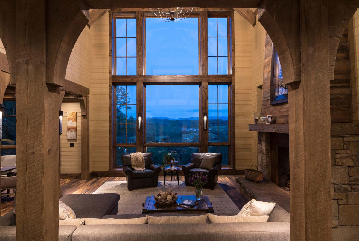 rustic mountain home vaulted great room - East Tennessee Residence