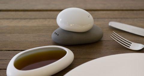 salt-pepper-set-balance