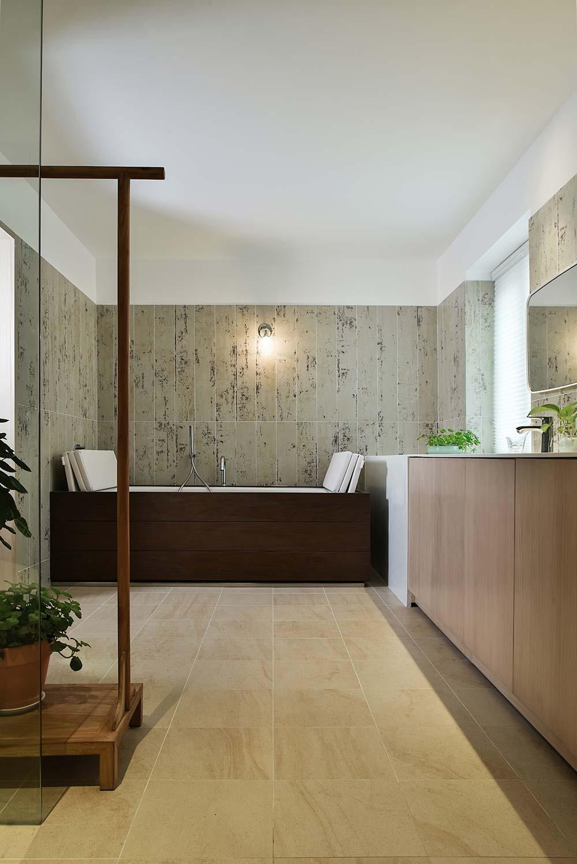 scandinavian asian wooden tub - Xiang Jiang House in Beijing