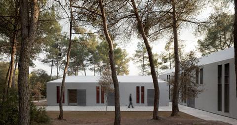 school-viladoms-houses-3