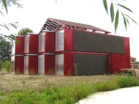 shipping-container-home-lille2