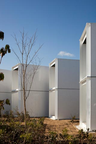 shipping-container-hotel-bm7