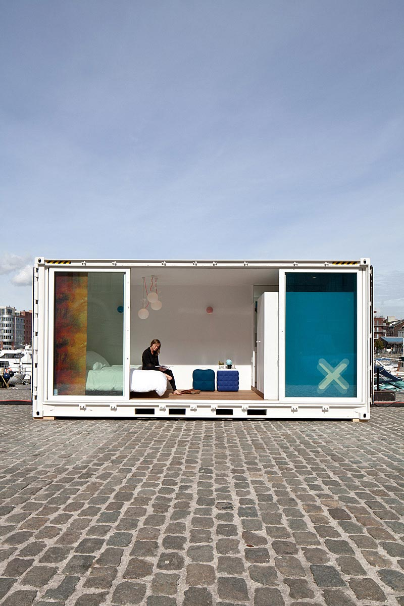 shipping container hotel sa1 - Shipping Container Gives and Takes a Recess