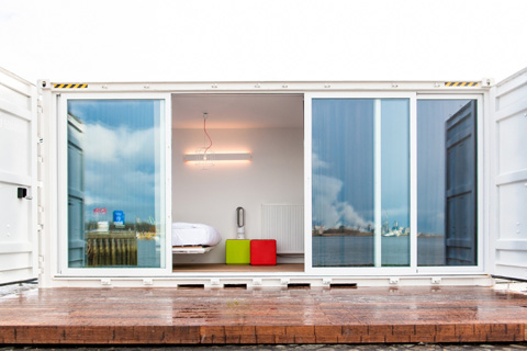 shipping-container-hotel-sa5
