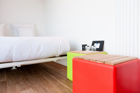 shipping-container-hotel-sa6