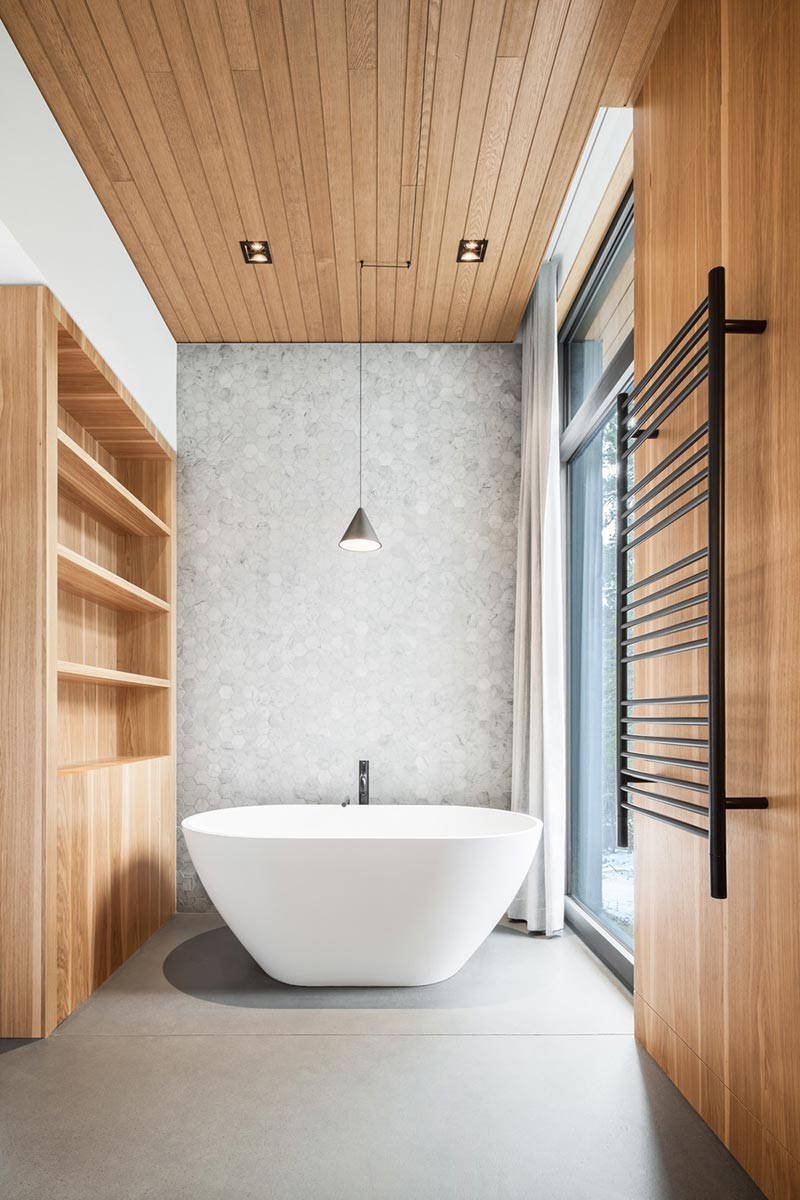 slope house bathroom design - Long Horizontals