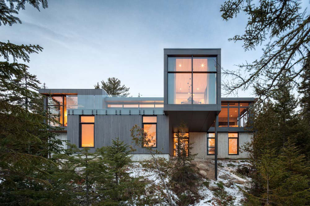 slope house design exterior - Long Horizontals
