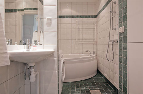 small-apartment-bathroom-se