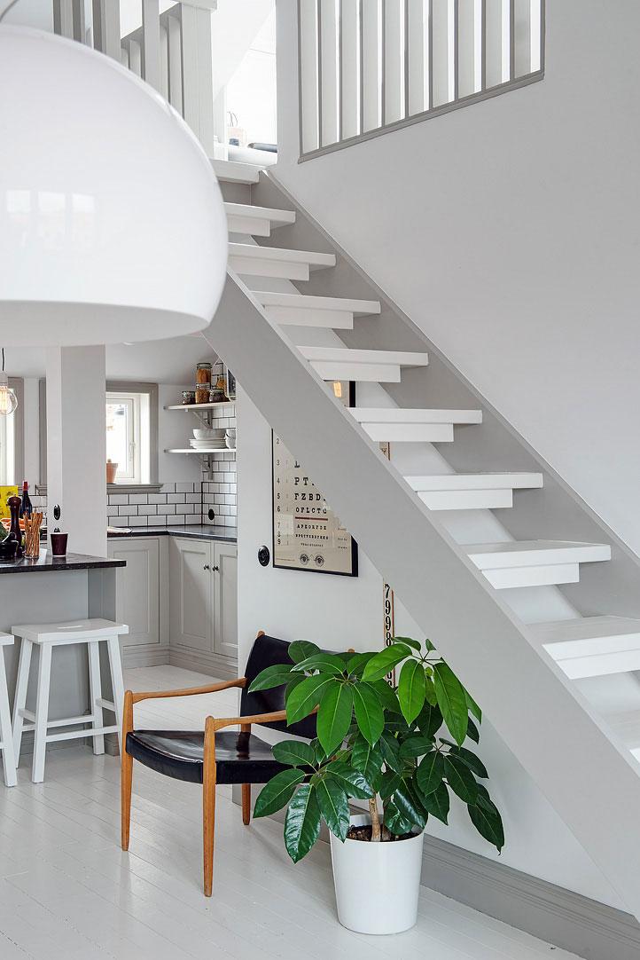 small-attic-apartment-13